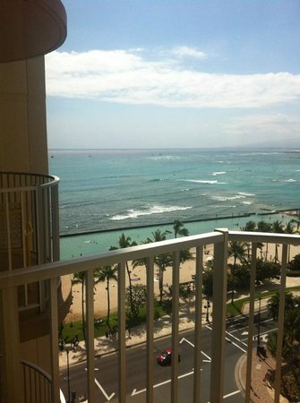 Aston Waikiki Beach Hotel: Our view