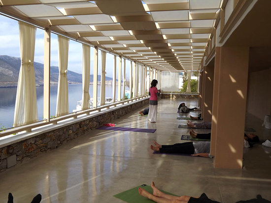 Aegialis Hotel & Spa: Yoga Area