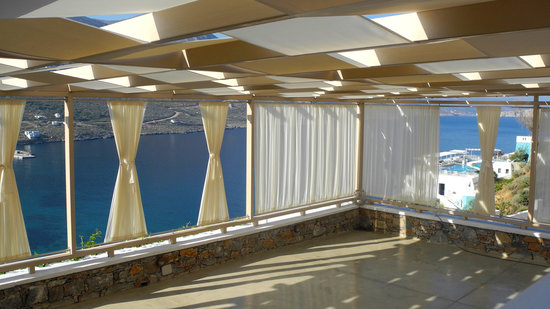 Aegialis Hotel & Spa: Yoga Area with view on Aegiali bay