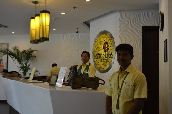 Lemon Tree Hotel, Chennai: The Lobby