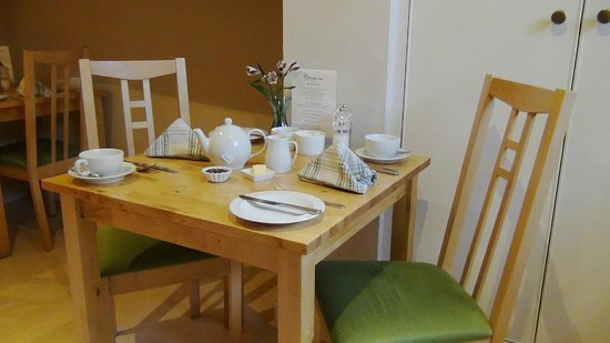 Three Abbey Green: Breakfast table