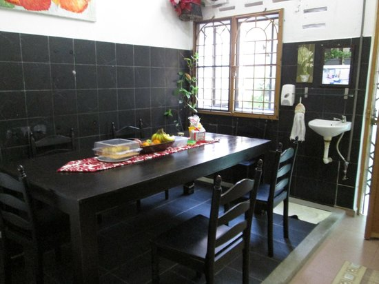Roof Top Guest House Melaka: Dining area