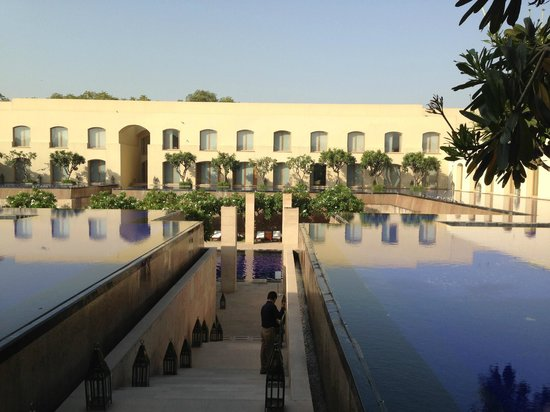 Trident, Gurgaon: Water Water everywhere - Poseidon would be happy here