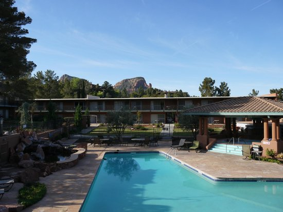 Kings Ransom Sedona Hotel: La piscine et le jacuzzi