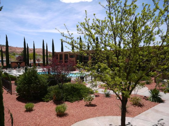 Courtyard Page at Lake Powell: Vue sur la piscine depuis notre chambre