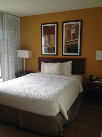 Residence Inn New Orleans Downtown: Cozy Bed