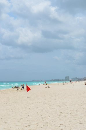Omni Cancun Hotel &amp; Villas: Beach