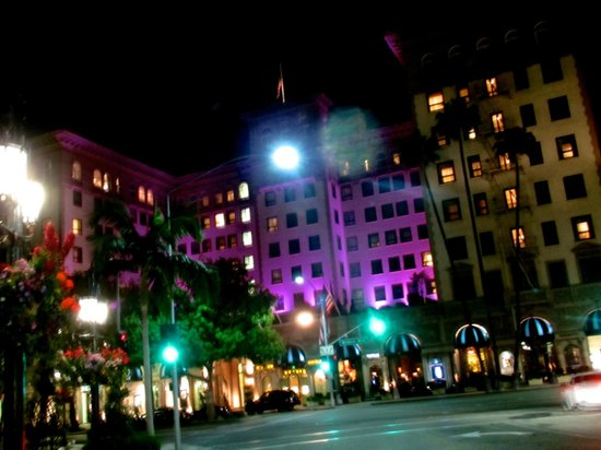 Beverly Wilshire Beverly Hills (A Four Seasons Hotel) : The Beverly Wilshire by night