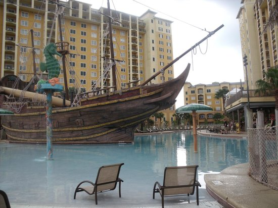 Lake Buena Vista Resort Village & Spa: The main pool