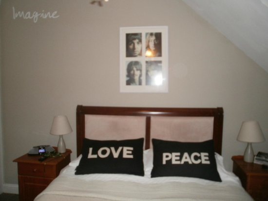 Hillside Lodge: Beatles room