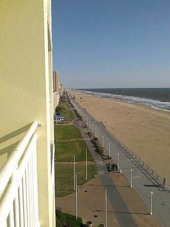 Holiday Inn Express Hotel & Suites Virginia Beach Oceanfront: Looking North