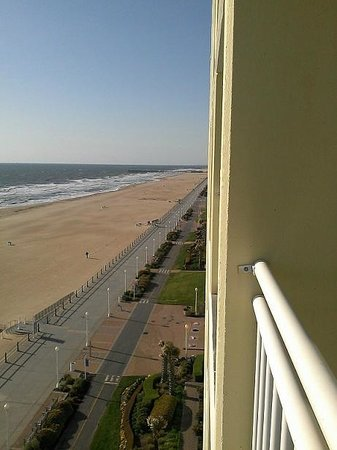 Holiday Inn Express Hotel & Suites Virginia Beach Oceanfront: Looking South
