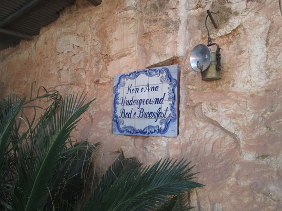 Underground Bed & Breakfast: Signage at the door into underground