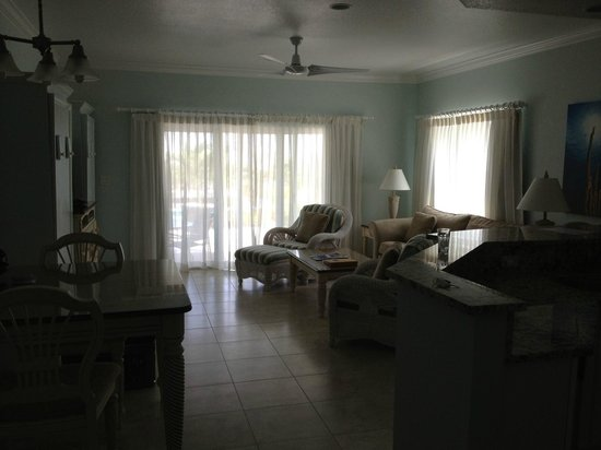 Compass Point Dive Resort: Condo living room