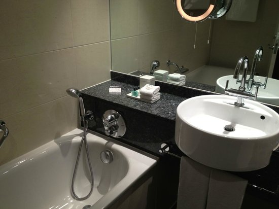 Sofitel London Heathrow: Toilet