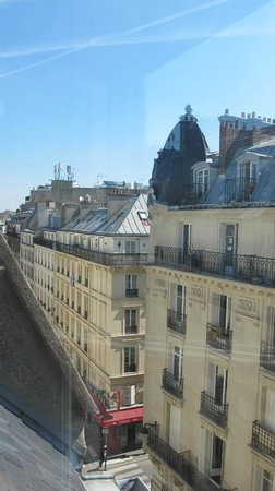 BEST WESTERN Opera Grands Boulevards : the view from room 601  looking east (Rue di pettie Acuiree)