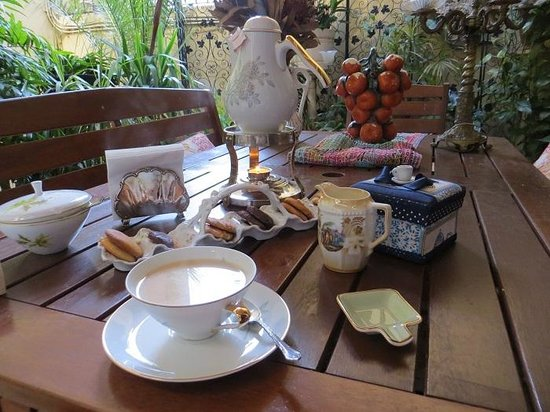 Hostal L' Antic Espai : Afternoon tea