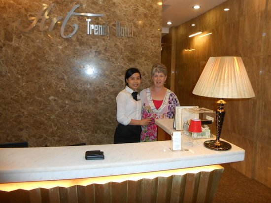 Art Trendy Hotel: Kattii and me in Receptio