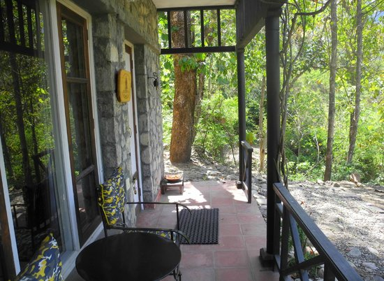 Himalayan Hideaway: ground floor verandahs