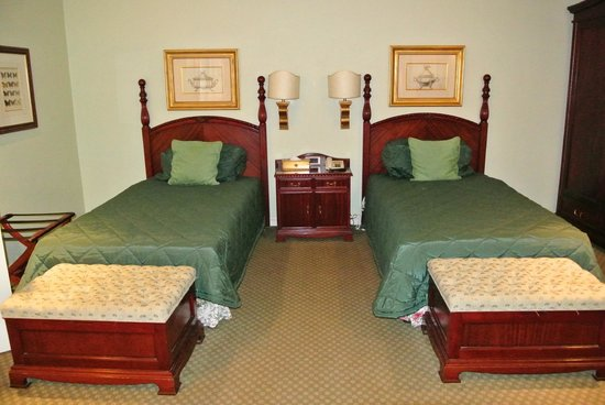 The Stanley and Livingstone at Victoria Falls: Two Beds in my Suite