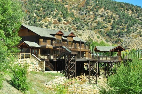 Glenwood Canyon Resort : Canyon Club Event Center with the No Name Bar and Grill