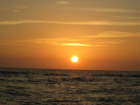 Castaways Beach and Bay Cottages: Sunset at Sanibel