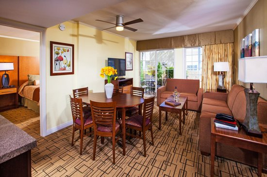 Winners Circle Resort: One Bedroom Suite