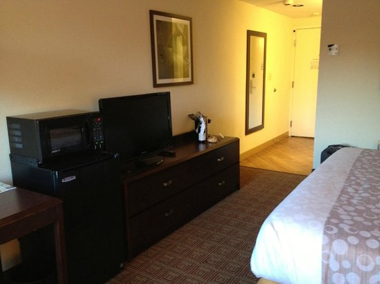 La Quinta Inn & Suites Portland: Room 210 April 30 2013