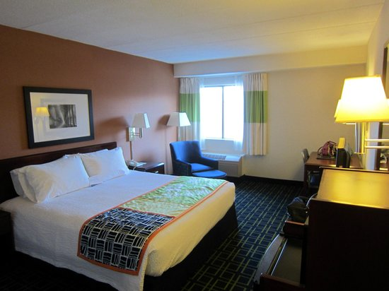 Fairfield Inn Portsmouth Seacoast: King size bed