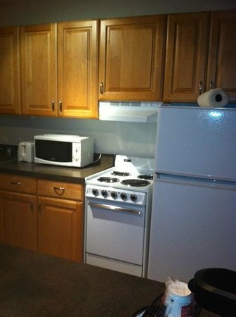Comfort Suites: Kitchen