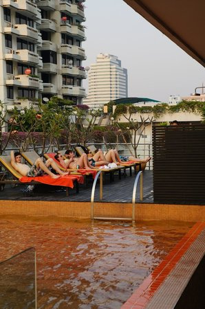 The Heritage Bangkok: Poolside beers