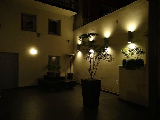 Opera Garden Hotel &amp; Apartments: Zen Area