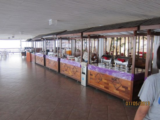 PT. KTM Resort - Batam: Quiet restaurant with little variety for breakfast