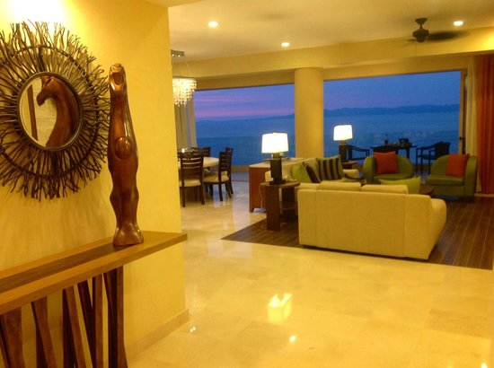 Garza Blanca Preserve, Resort &amp; Spa: Entry foyer on the two bedroom panorama suite