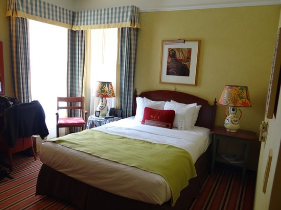 Hotel Rex, a Joie de Vivre hotel: Comfy bed