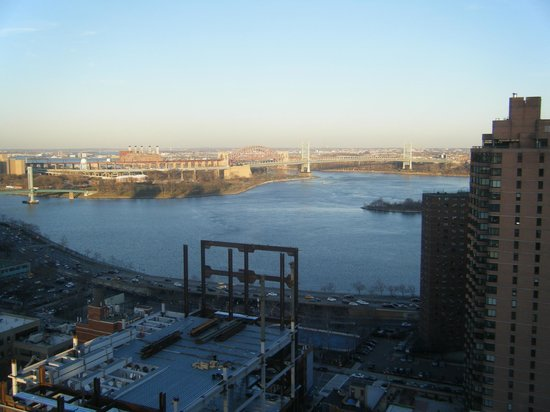 Marmara Manhattan Hotel: From our 30th floor apartment looking east