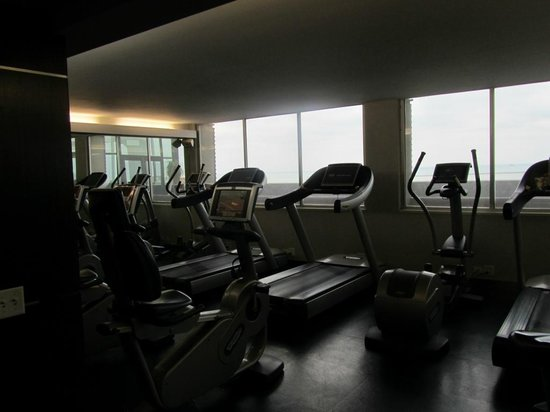 W Chicago Lakeshore: The gym.