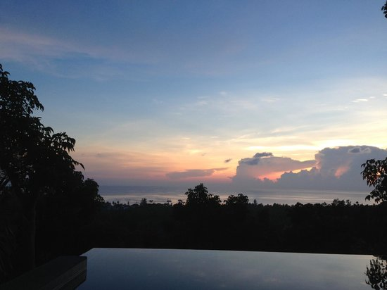 The Place Luxury Boutique Villas : Sunset view from pool