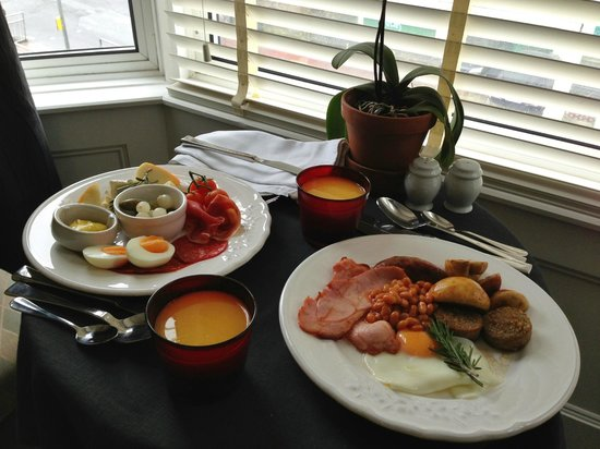 27 Bed & Breakfast: Amazing breakfast in the room