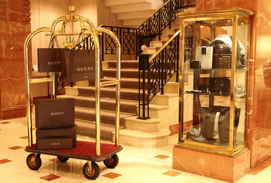 L'Hotel Porto Bay Sao Paulo: Gucci point of sale