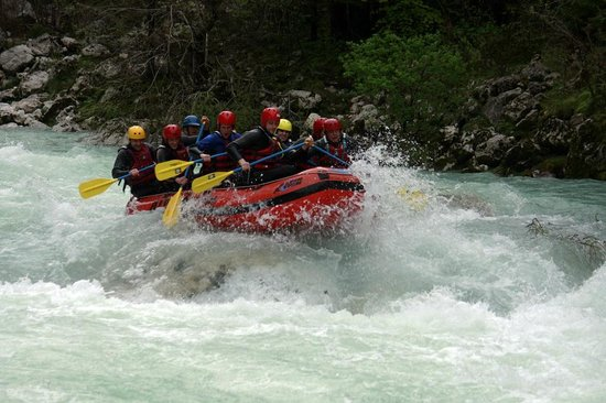 Bovec, Slovenien: Upper Soca on big water!