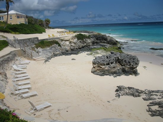 Coco Reef Resort Bermuda: Hotel Beachfront