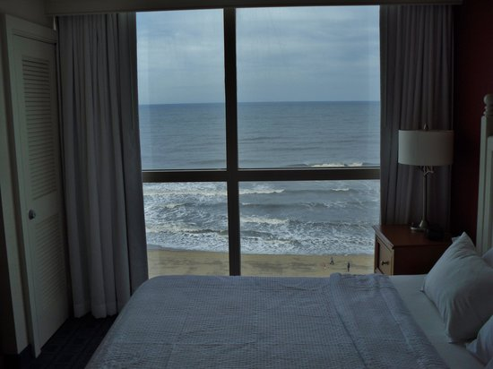 Residence Inn Virginia Beach Oceanfront : bed room 