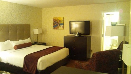 BEST WESTERN PLUS Montreal Downtown-Hotel Europa: キングサイズの部屋