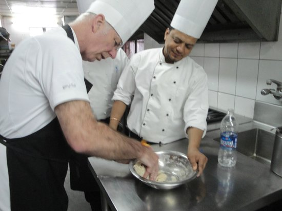 Shanti Home: Cooking classes in action