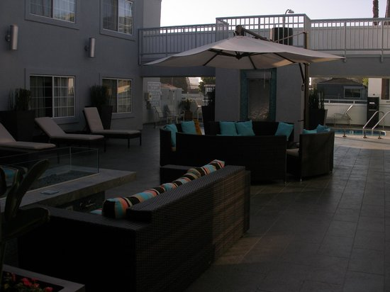 The  Inn at Marina del Rey: Pool area