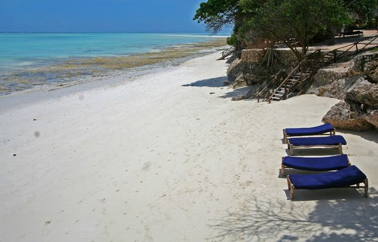 Ras Nungwi Beach Hotel: Sandy beach best for swimming at high tide