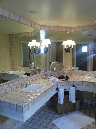 Fairmont Scottsdale: Bathroom sinks