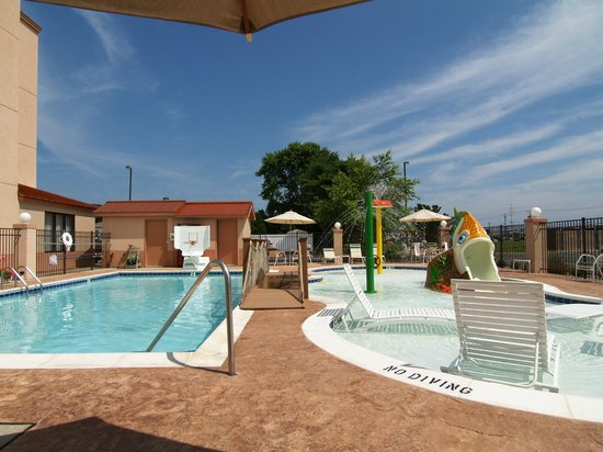 Sleep Inn & Suites Rehoboth Beach Area: Pool