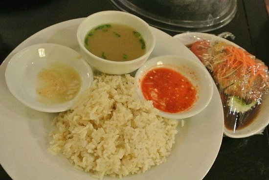 Impiana Resort Cherating: Room service - chicken rice